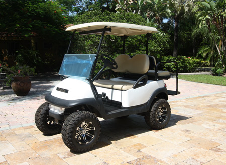 CLUB CAR WHITE 4 PASSENGERS