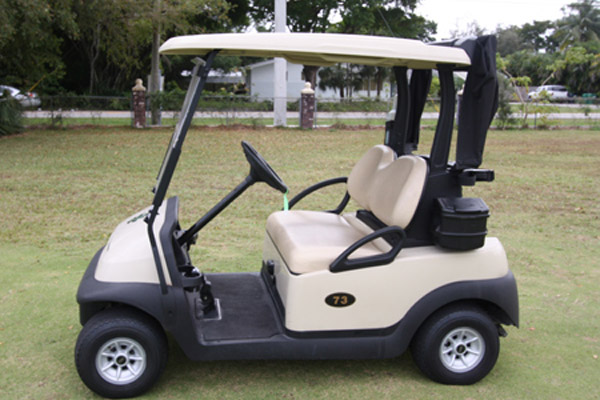 CLUB CAR PRECEDENT White golf cart