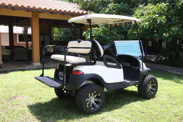 CLUB CAR PRECEDENT 4 SEAT LIFTED
