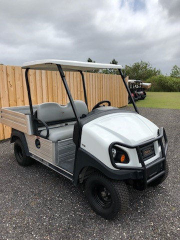 Pre own  2016 Club Car Carryall 500 Gas White SKU U266