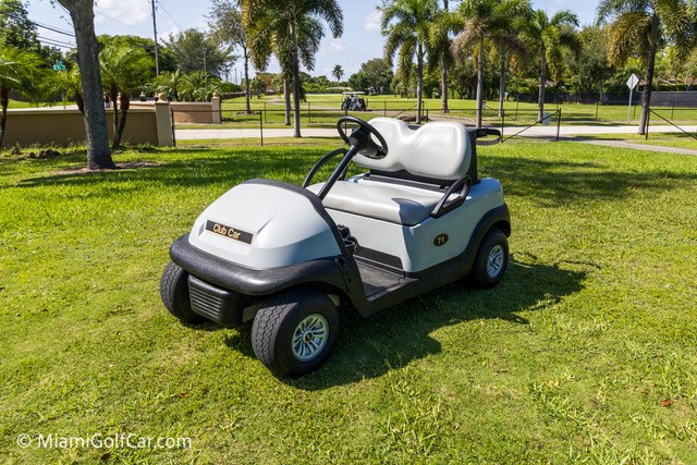 Miami Opa Loocka Executive  Airport  Gofl cart customer