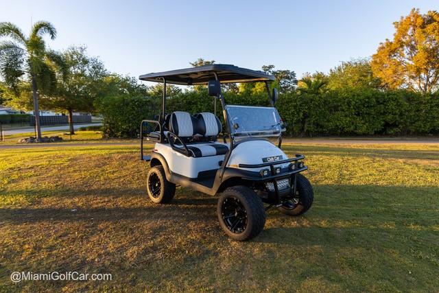 Miami Beach golf cart customer