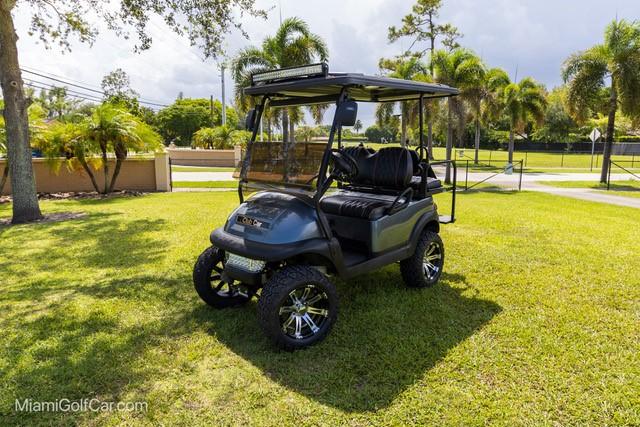 Atlantic Turbos  Bimini Bahamas  golf cart VIP customer